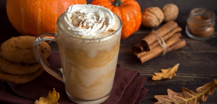A picture of a pumpkin spice hot latte.