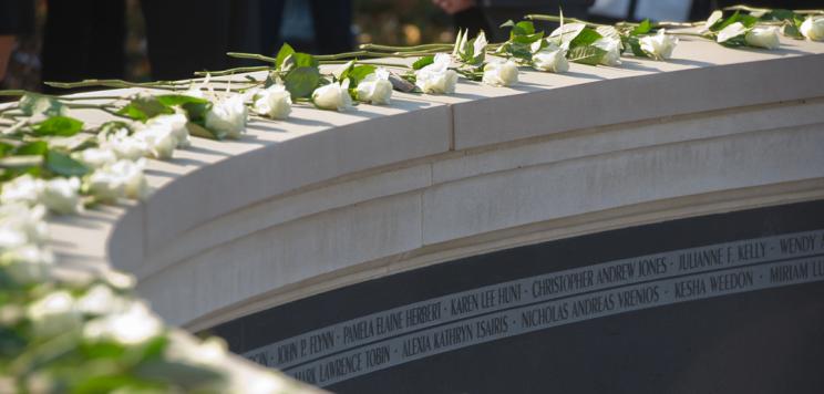 roses on memorial