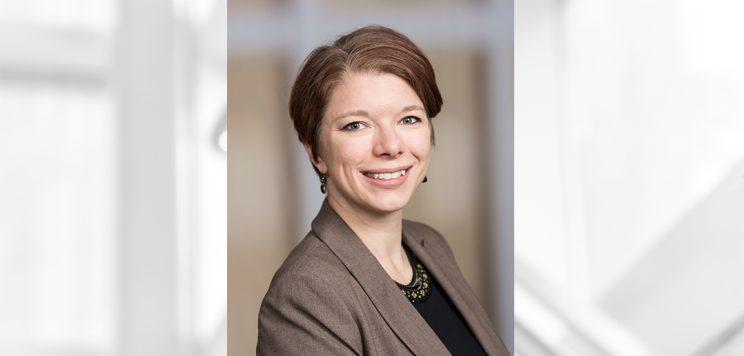 headshot of Julie Niederhoff