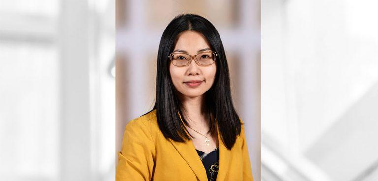 headshot of Winnie (Uyen) Nguyen